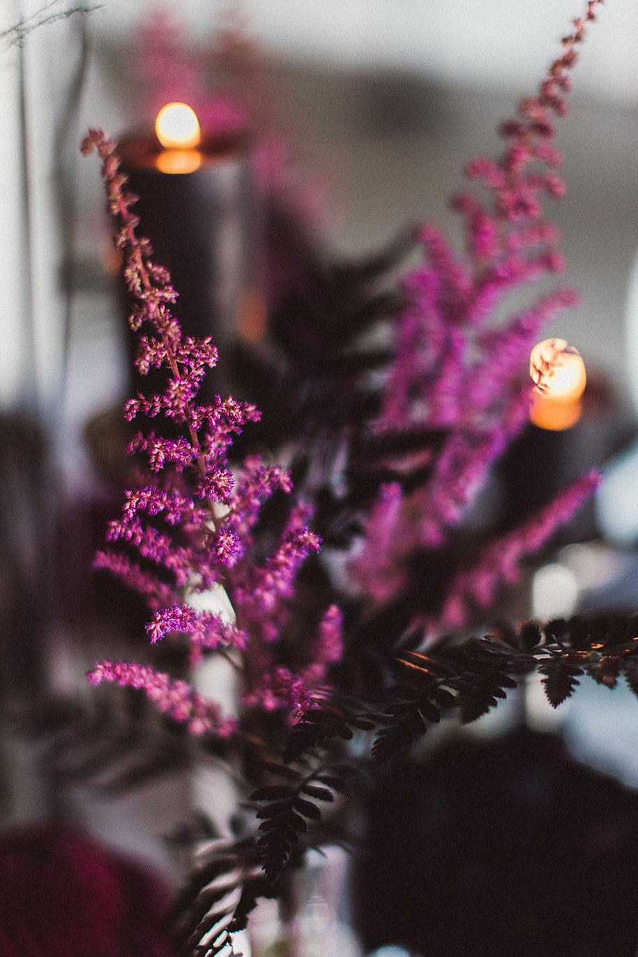 Beerenfarbig ist das Hochzeitskonzept