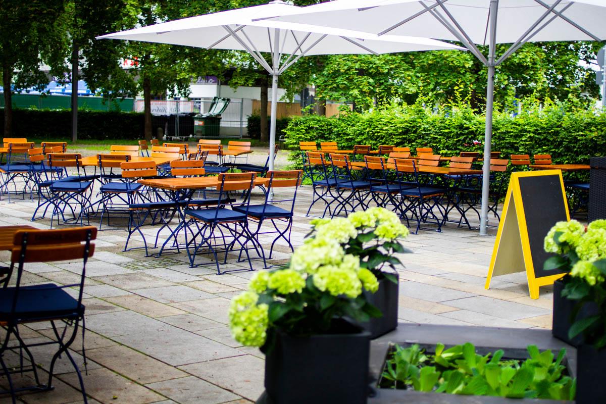 Terrasse und Biergarten vom Restaurant pure CUISINE