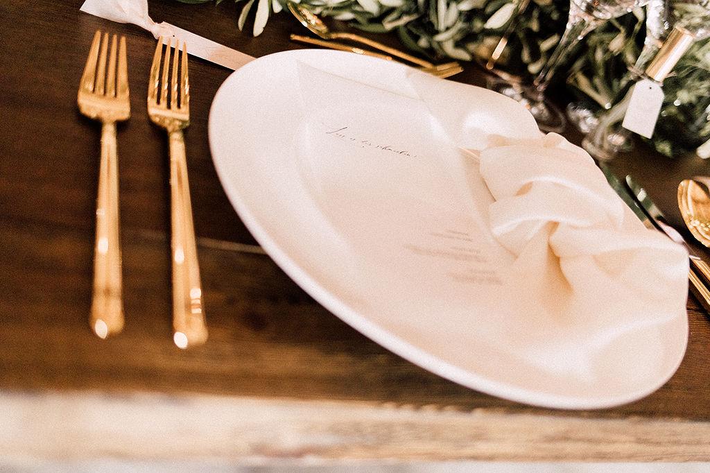Geschirr und Besteck vom Hochzeits-Catering München