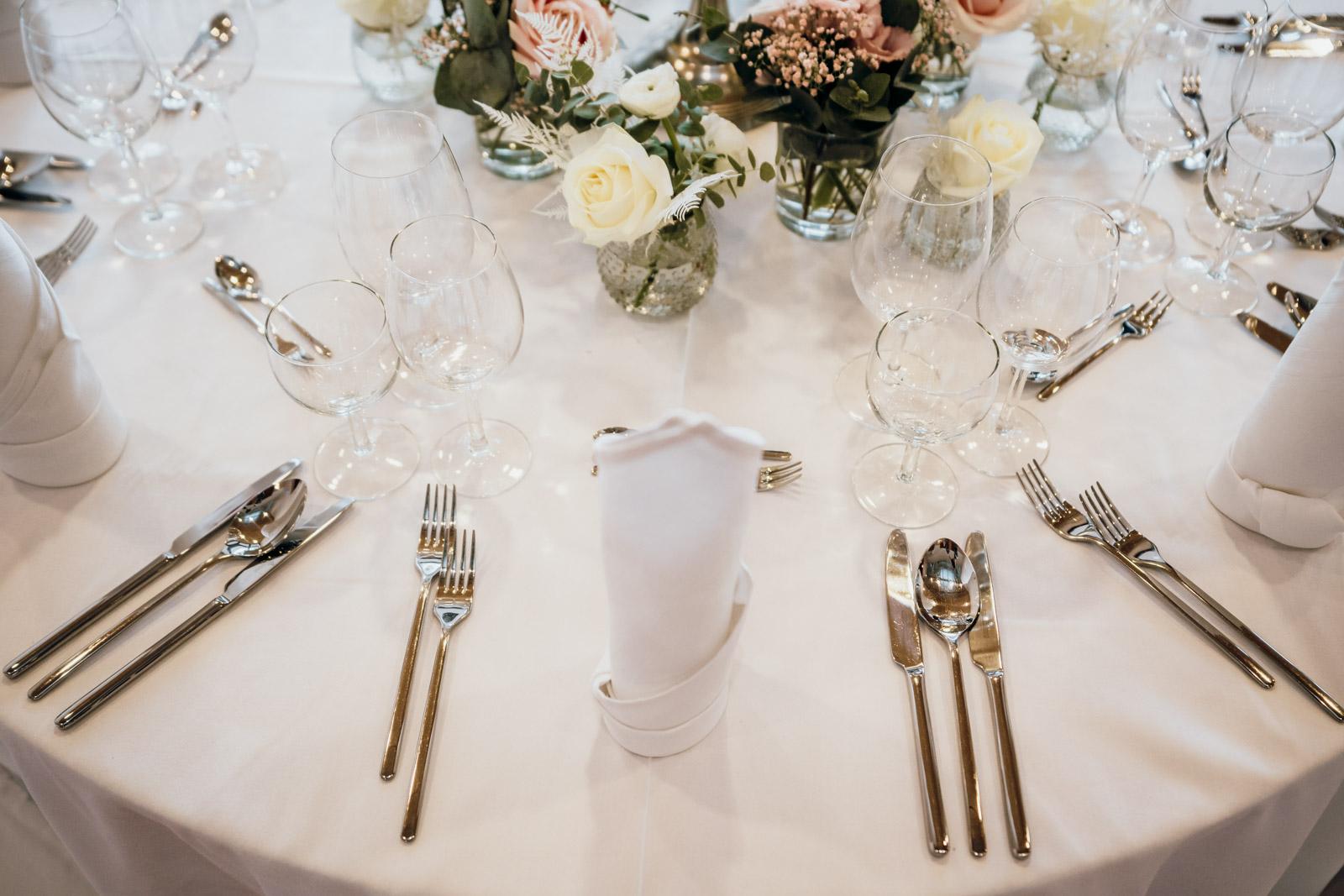 Runde Tische im Ballsaal