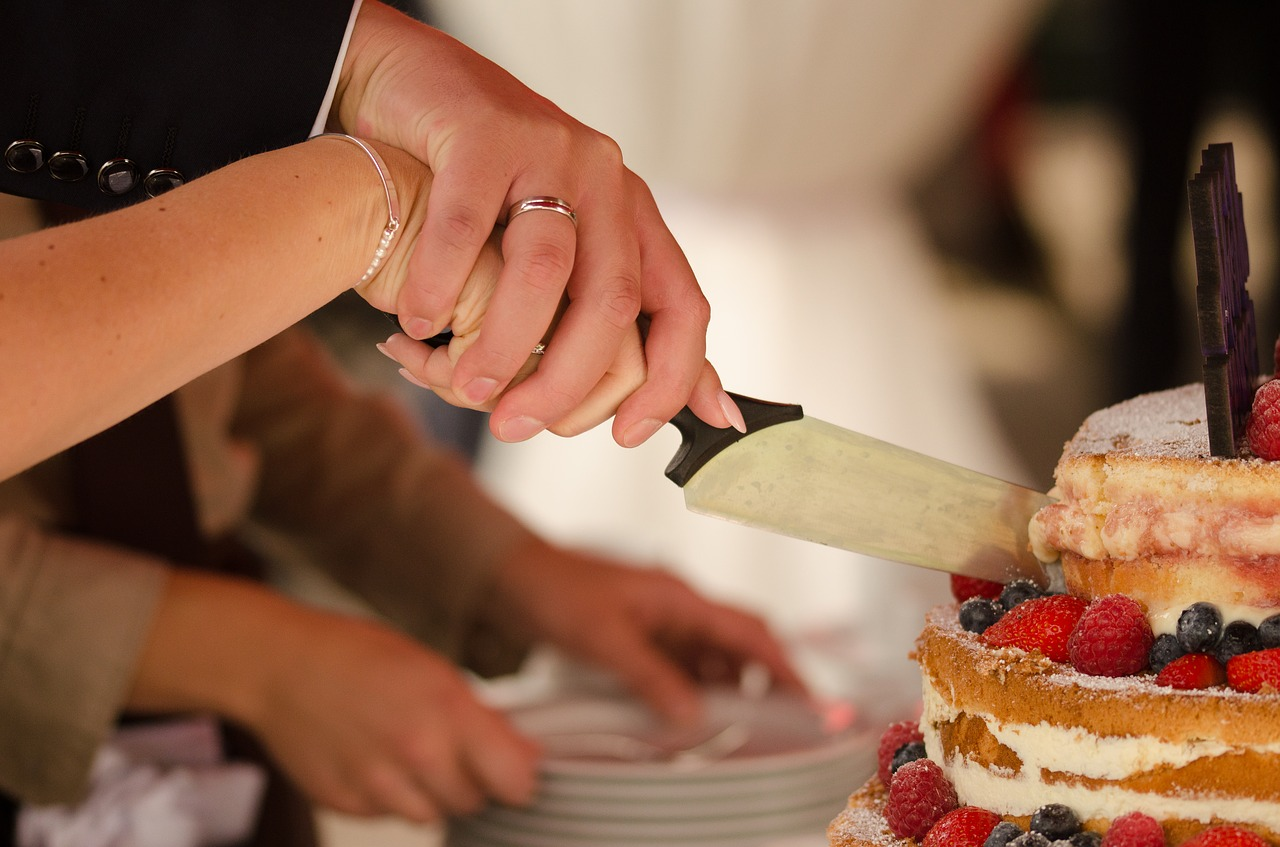 klassich heiraten und die Hochzeitstorte